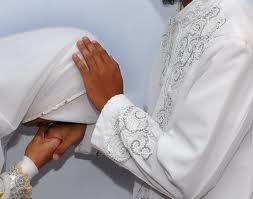 sujud istri kepada suami